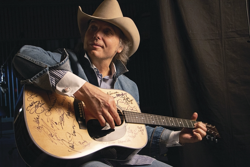 Dwight_Yoakam_March2015_3_photo_by_Jared_Ames.jpg