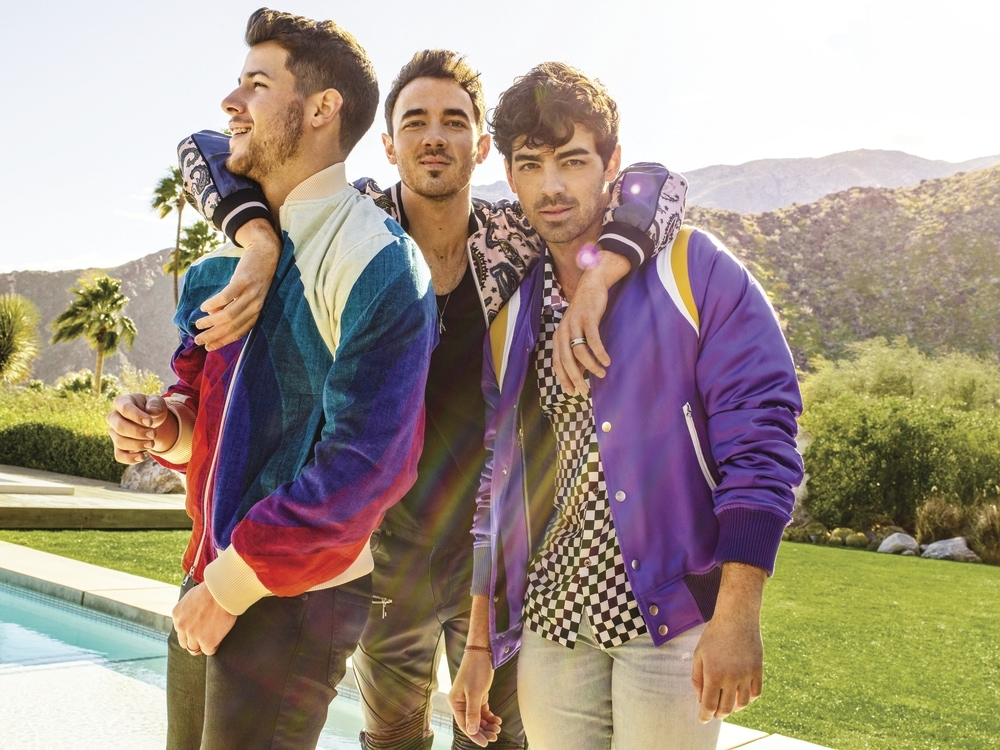 Jonas_Brothers_additional_press_photo_pc-_Peggy_Sirota.jpg