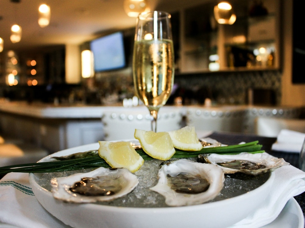 il-molo-oysters-north-end.jpg